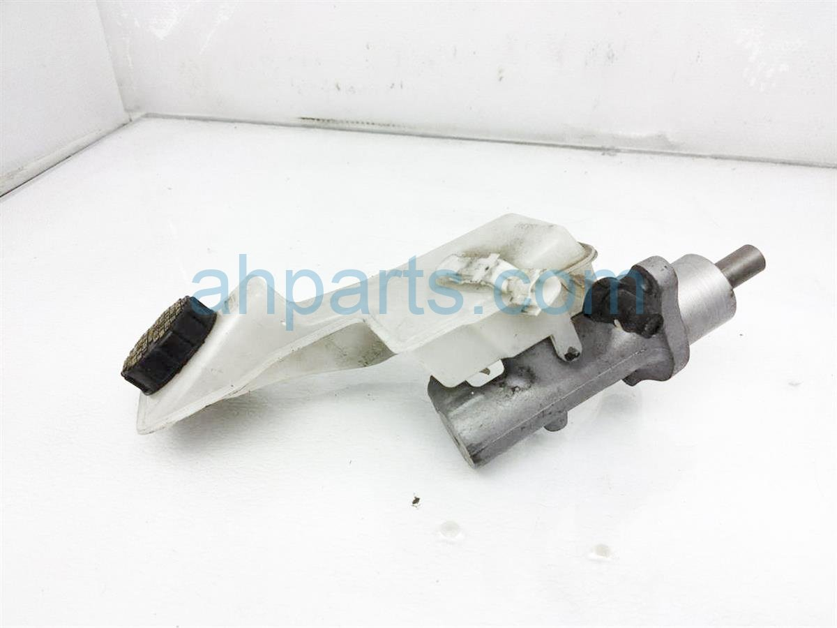 2011 Mazda 3 Brake Master Cylinder BPYS 43 40ZR 0B Replacement