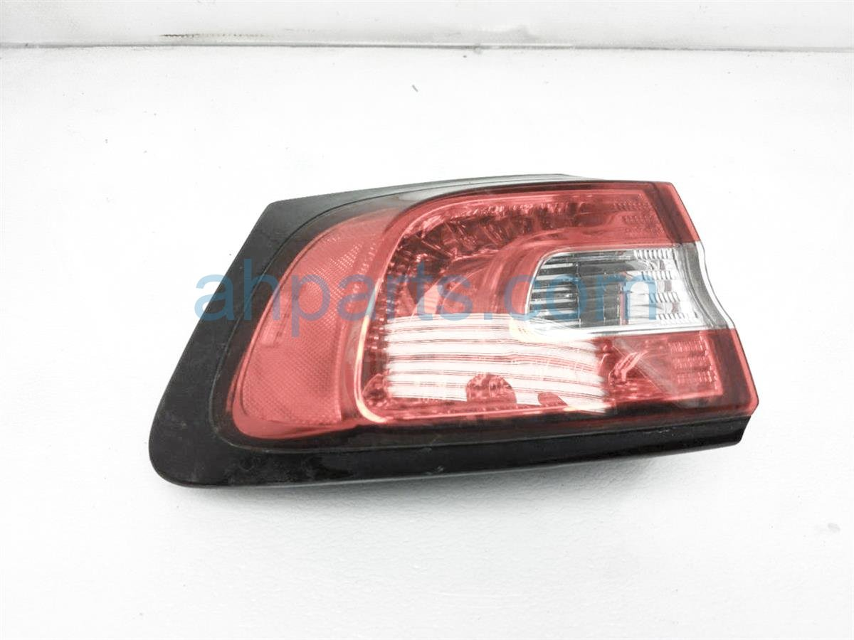 2016 Jeep Cherokee Light / Rear Driver Tail Lamp (on Body) 68102907AF Replacement