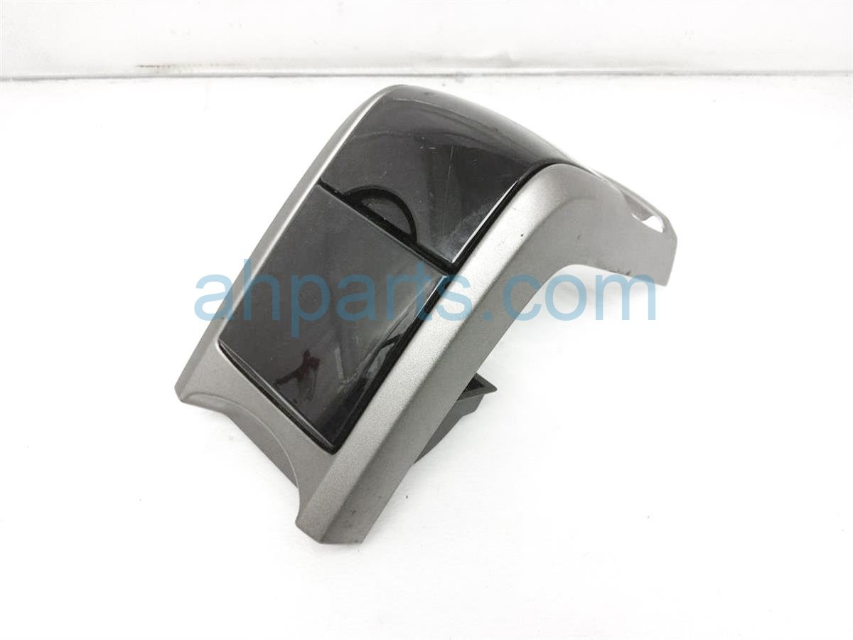 2005 Toyota Prius Center Console Front Cup Holder Assy 58804 47010 Replacement