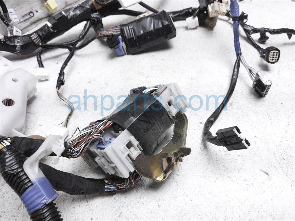 2004 Toyota 4 Runner Dashboard Instrument Wire Harness 82141 35570 Replacement