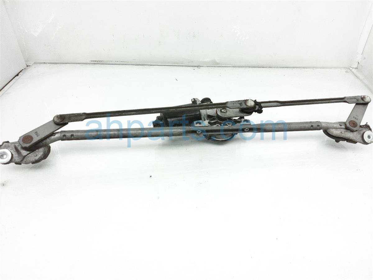 2008 Toyota 4 Runner Windshield Front Wiper Motor W/ Arms 85110 47080 Replacement