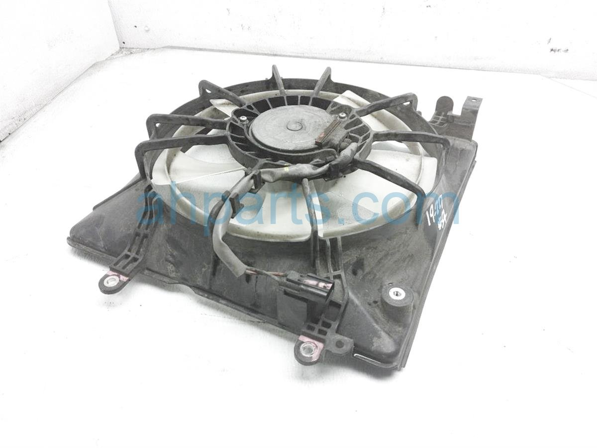 2013 Honda Civic Cooling Radiator Fan Assembly   19020 R1A A01 Replacement