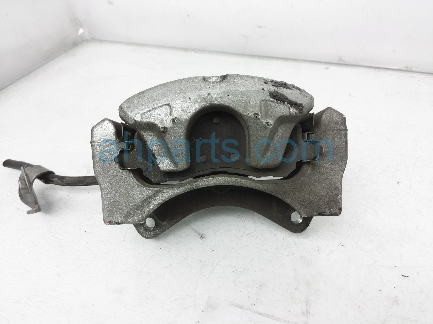 2016 Jeep Patriot Front Passenger Brake Caliper 5191238AA Replacement