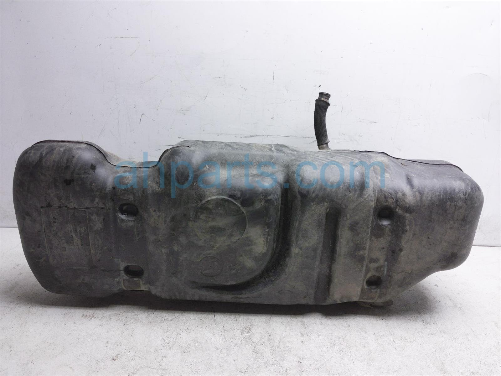 2017 Toyota Tacoma Gas / Fuel Tank 77001 04201 Replacement