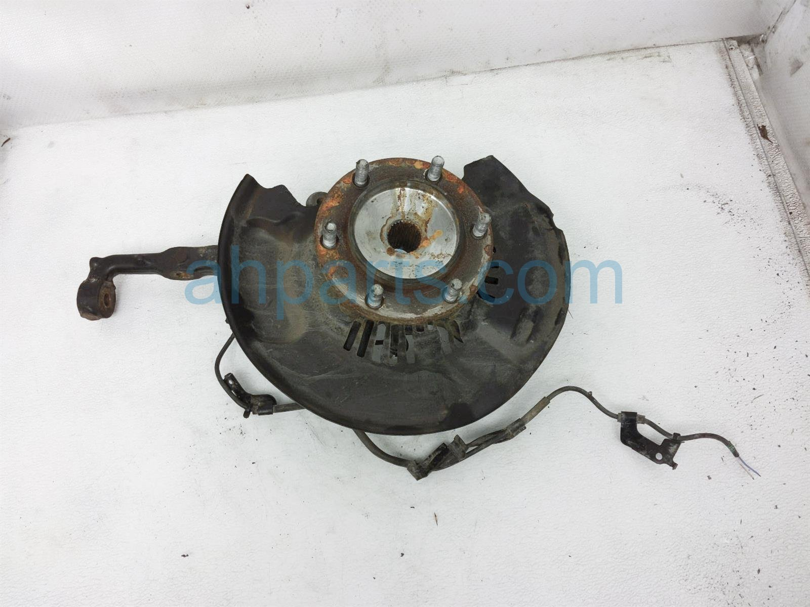 2017 Toyota Tacoma Front Driver Spindle Knuckle Hub 43212 04050 Replacement