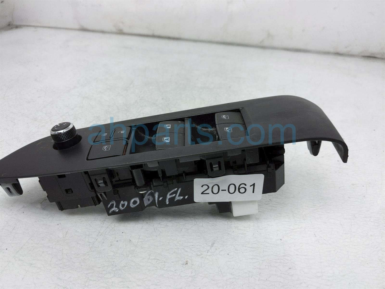 2014 Toyota Highlander Power / Master Window Control Switch 84820 0E020 Replacement
