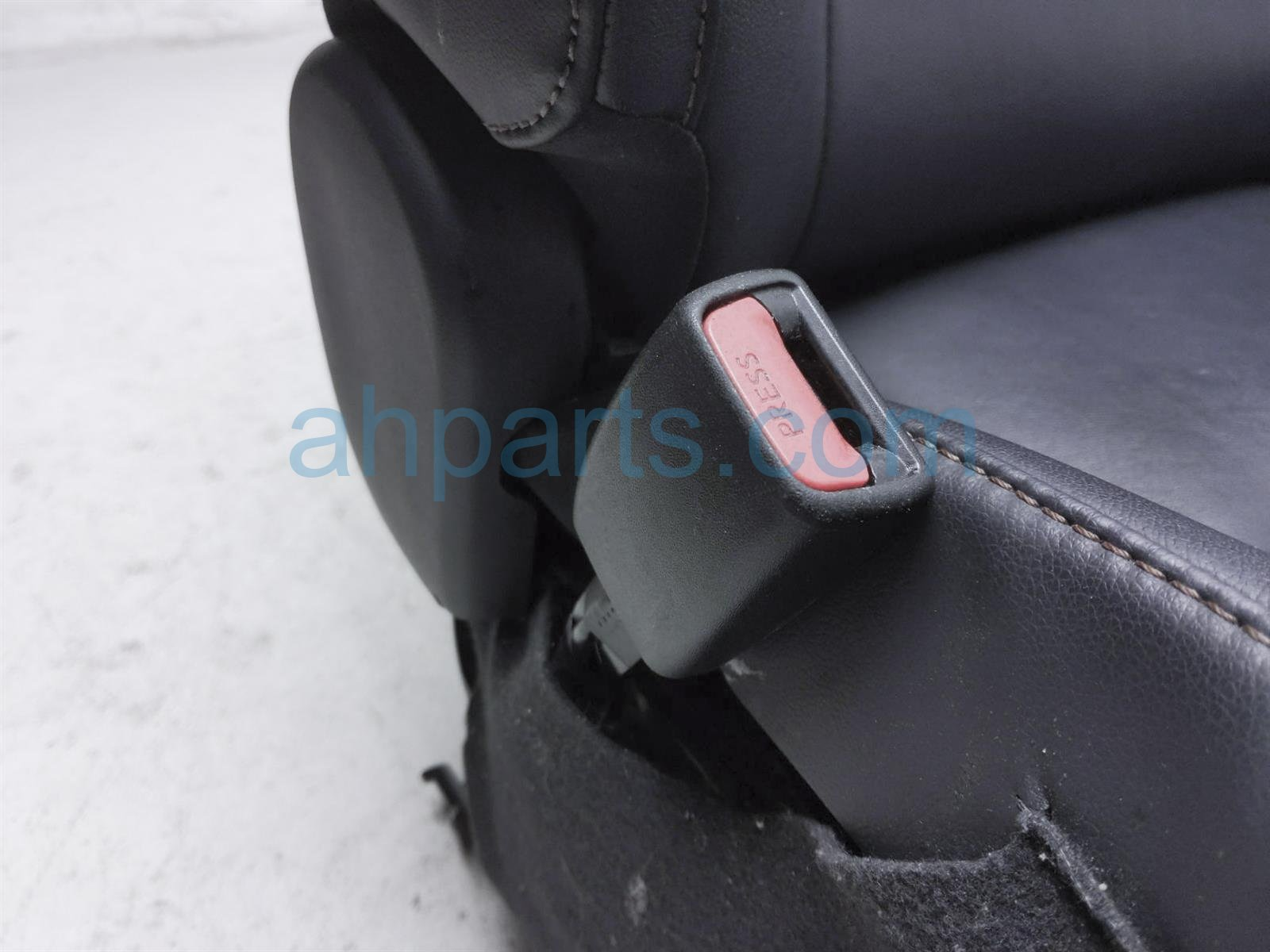 2014 Toyota Highlander Front Driver Seat   Black   W/ Airbag 71072 0E290 C1 Replacement