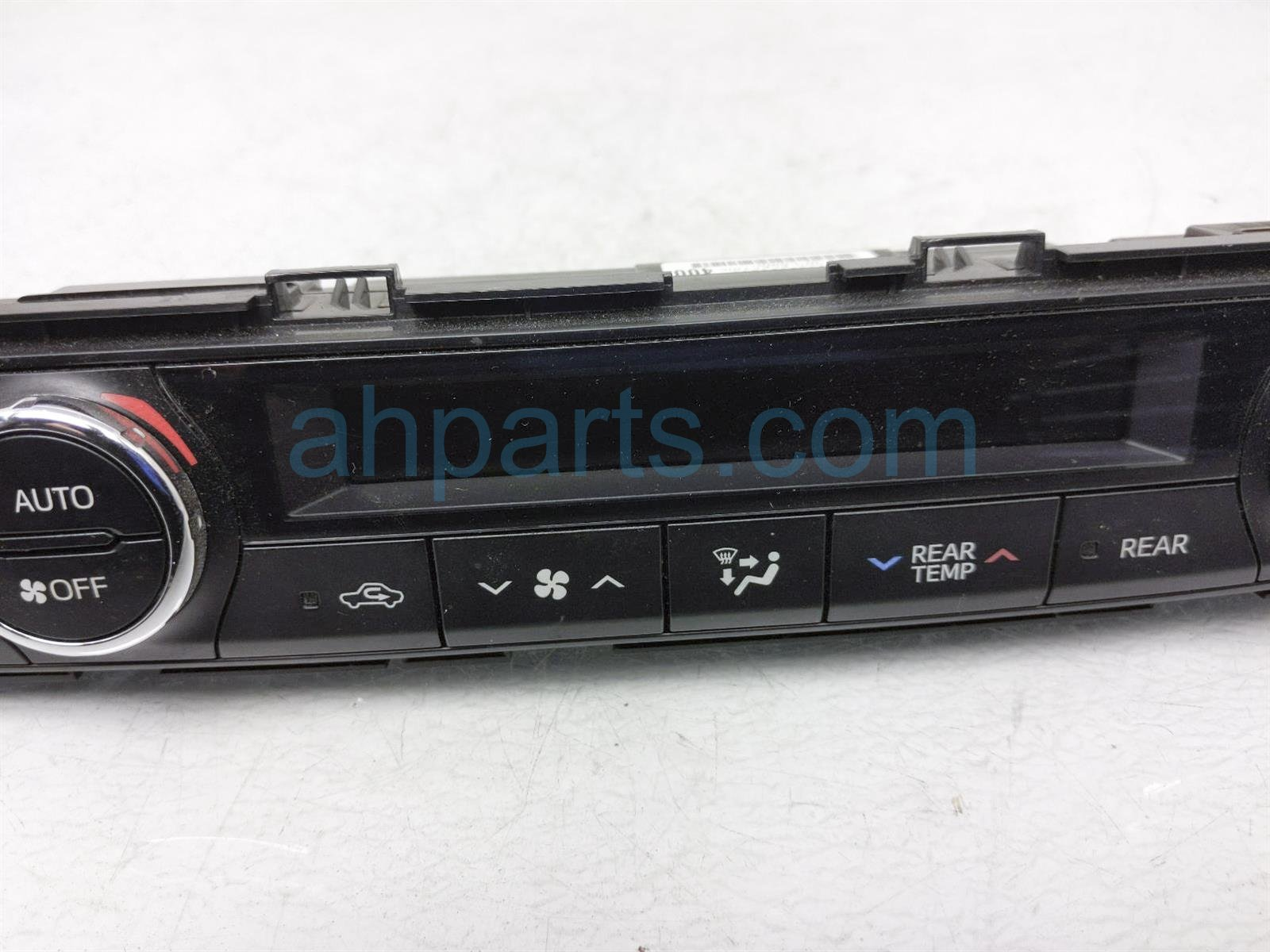 2014 Toyota Highlander Temperature Climate Front Heater/ac Control(on Dash) 55900 0E400 Replacement