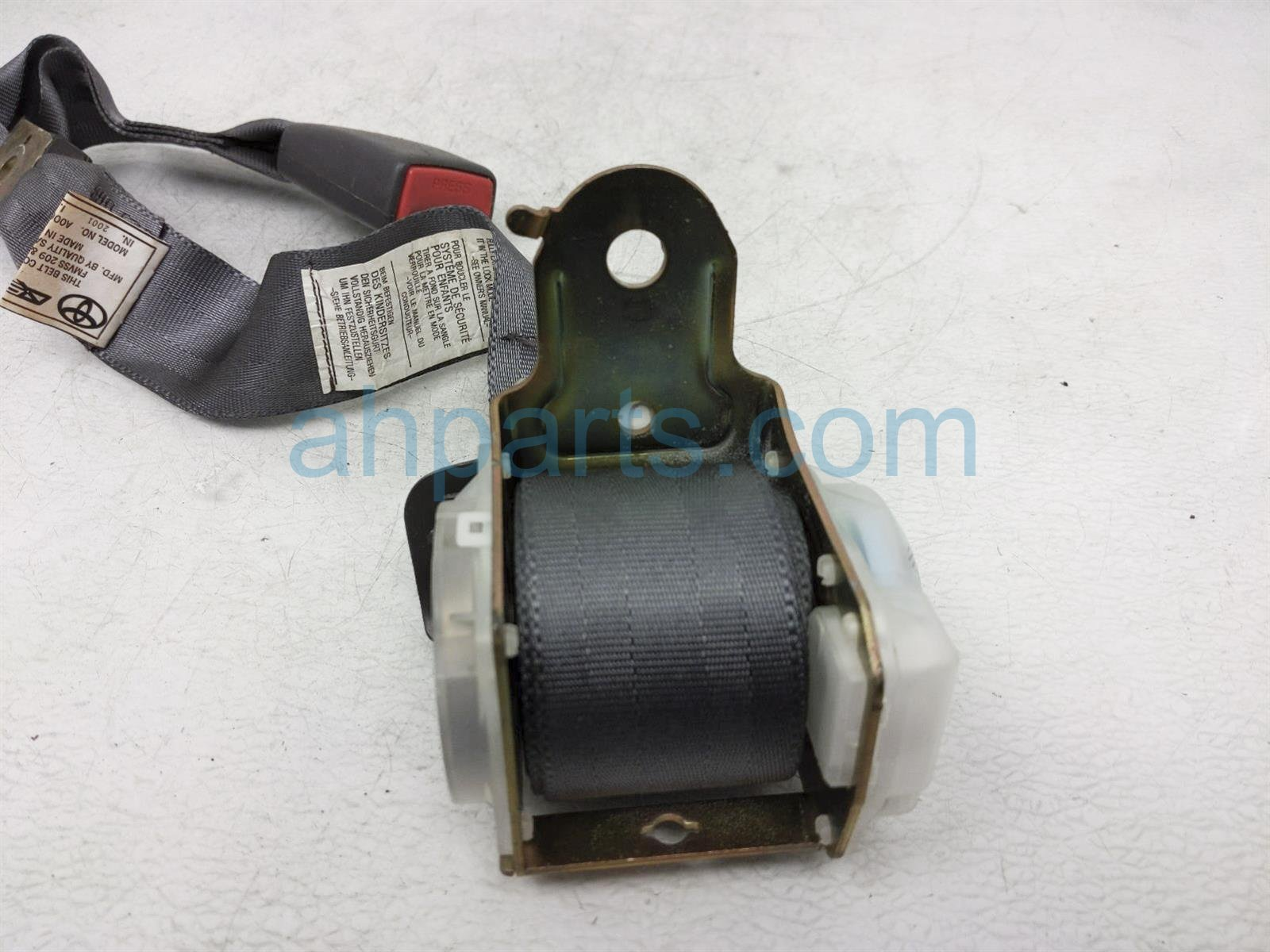 2001 Toyota Camry Rear 2nd Row Mid Seat Belt   Grey 73480 AA040 B0 Replacement