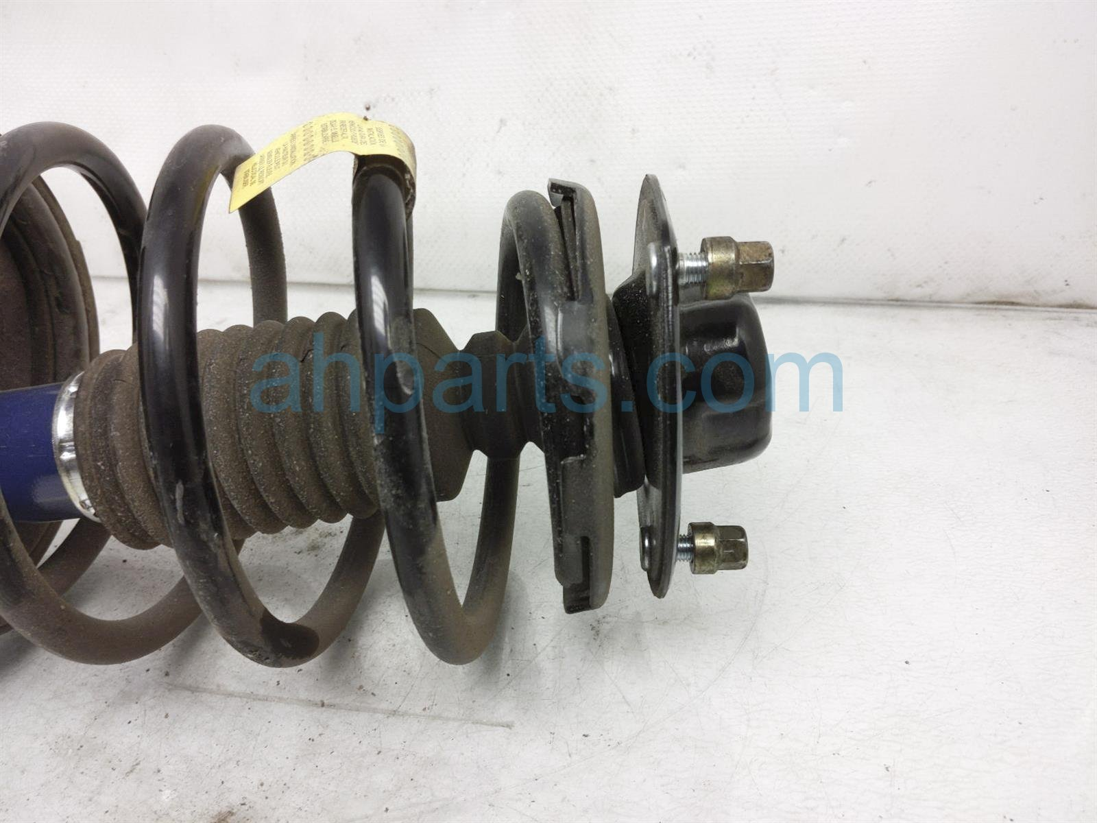 Sold 2001 Toyota Camry Front Passenger Strut + Spring 48131 AA090 Replacement