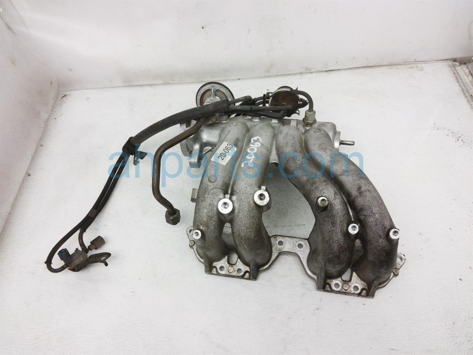 2001 Toyota Camry Intake Manifold 17101 74311 Replacement
