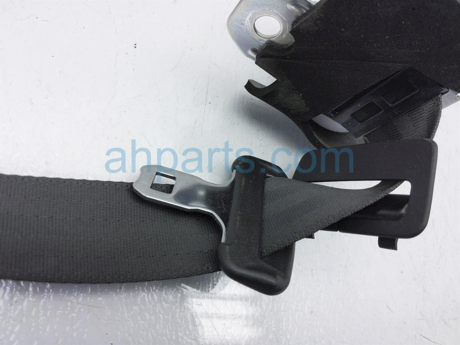 2011 Infiniti G37 Rear 2nd Row Passenger Seat Belt   Black 88844 JK70B Replacement