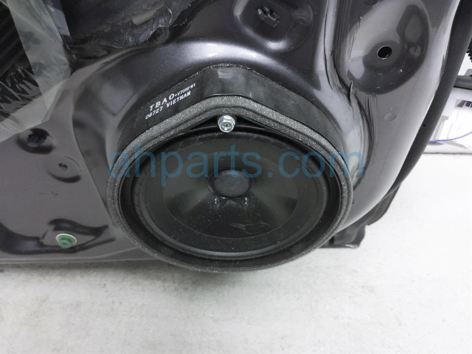 2018 Honda Clarity Front Driver Door   Grey   No Mirror/panel 67050 TRT A91ZZ Replacement