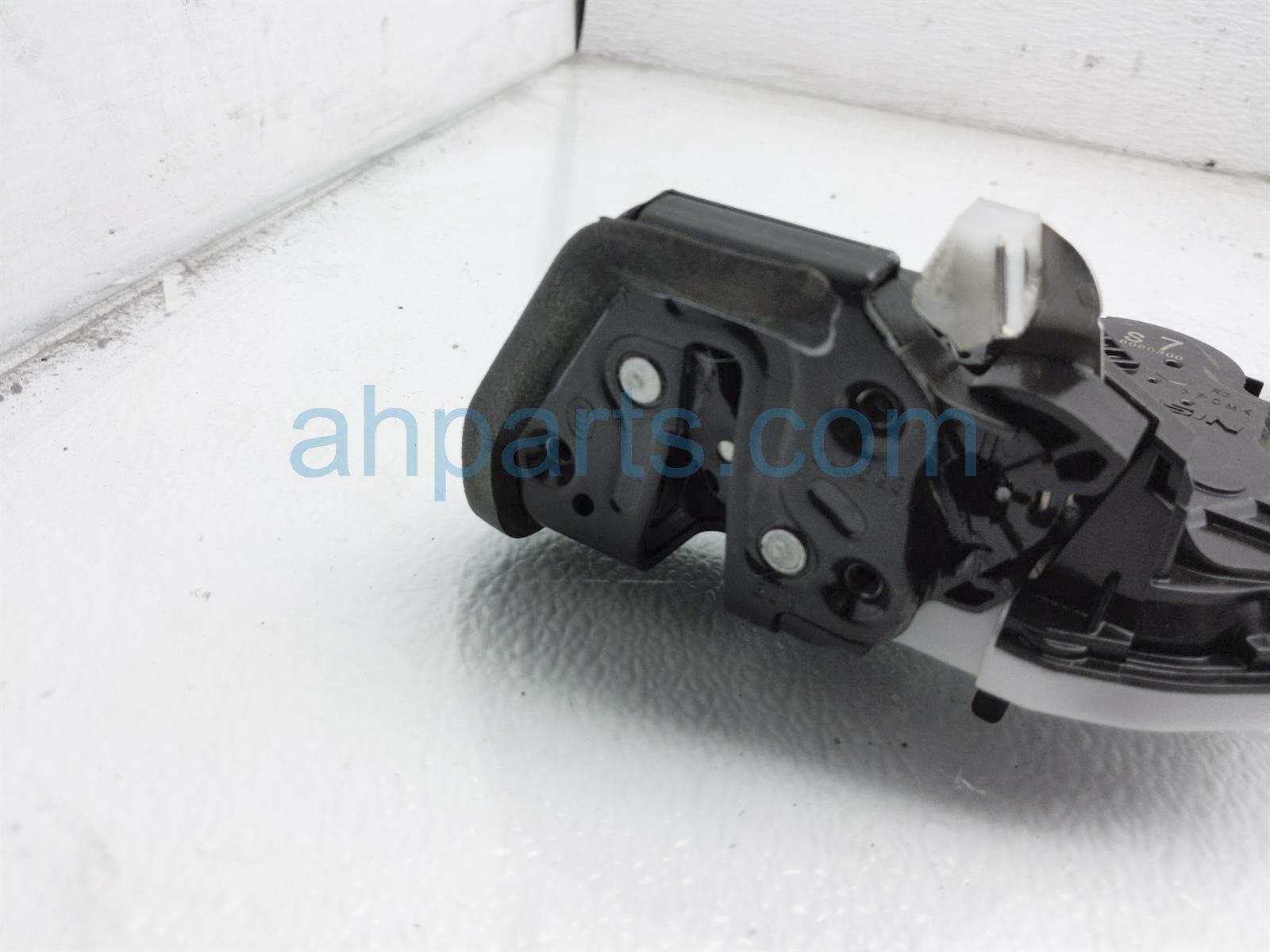 2018 Honda Clarity Rear Passenger Door Actuator Lock 72610 TRT A01 Replacement