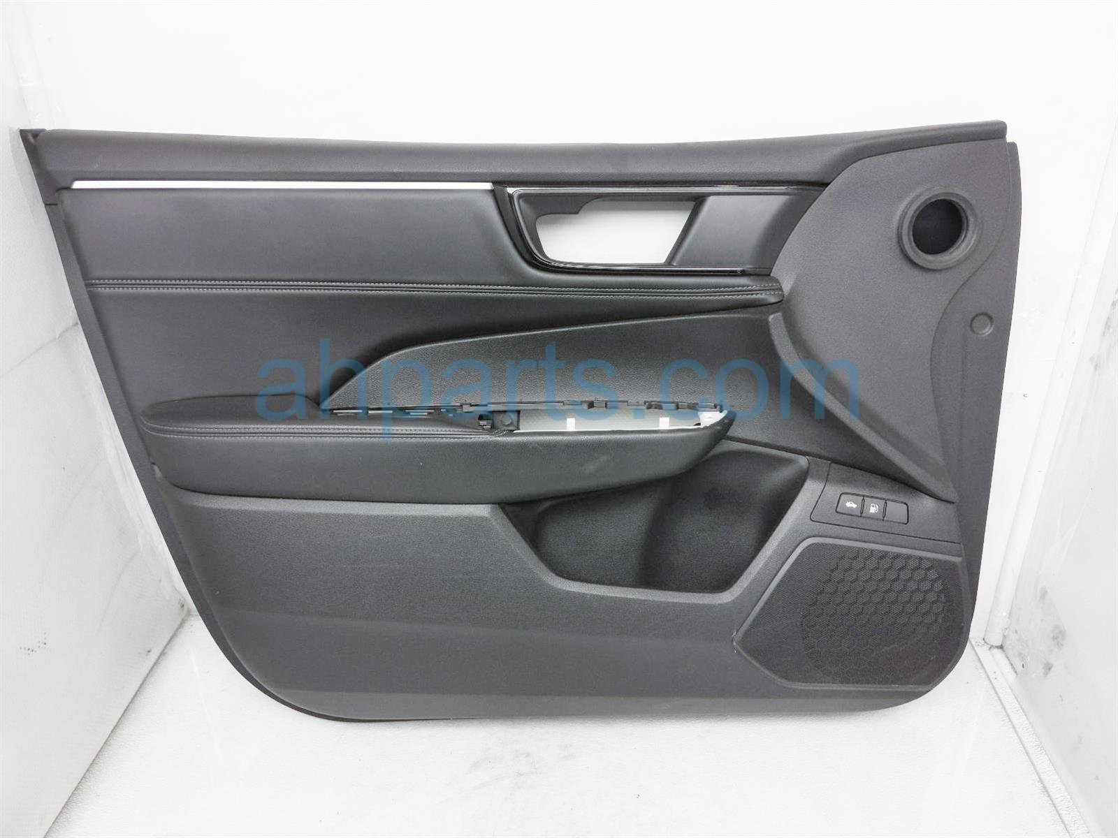 2018 Honda Clarity Trim / Liner Front Driver Interior Door Panel   Black 83551 TRW A21ZB Replacement