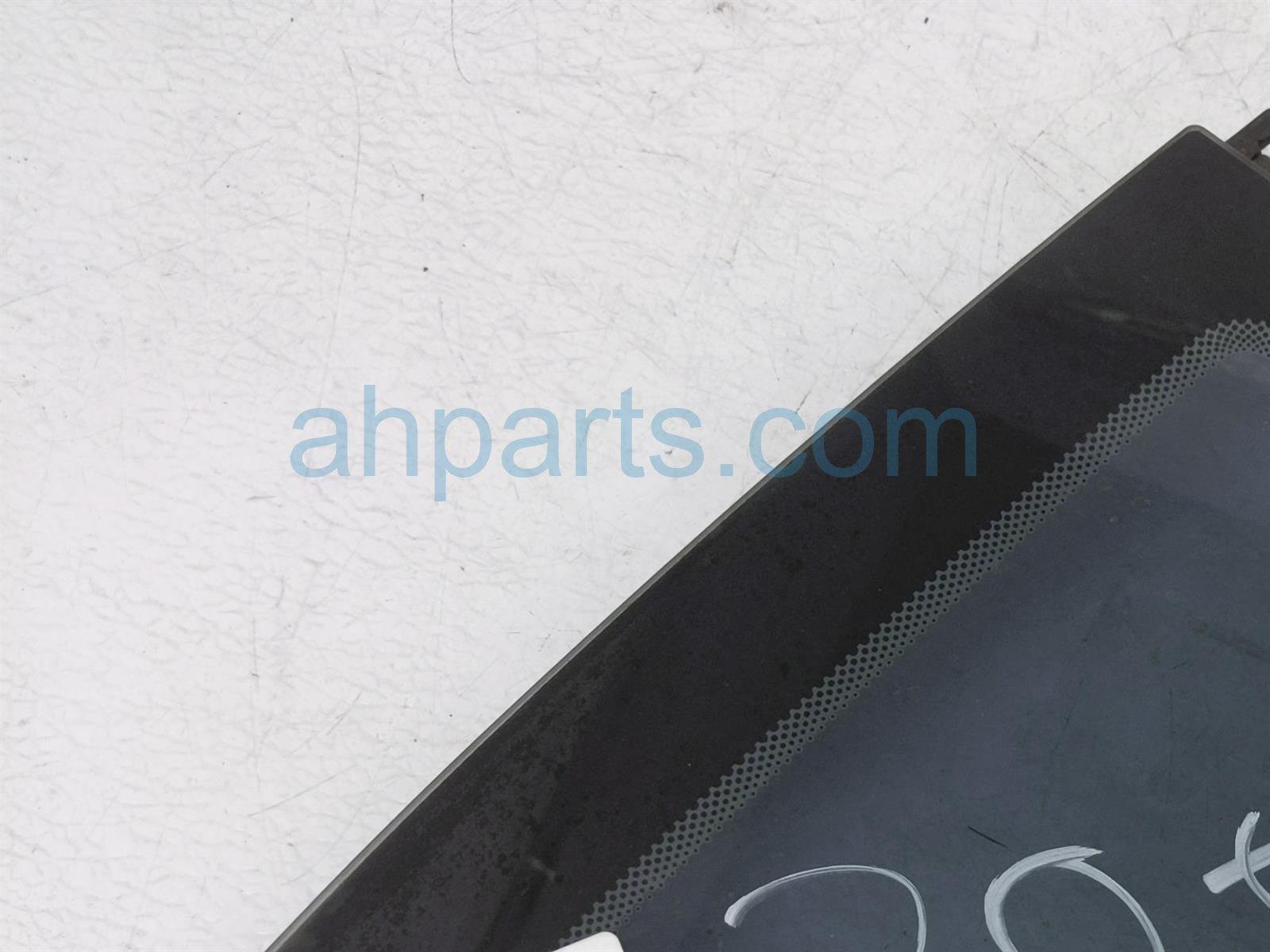 2011 Porsche Cayman Passenger Quarter Window Glass 987 543 112 03 Replacement