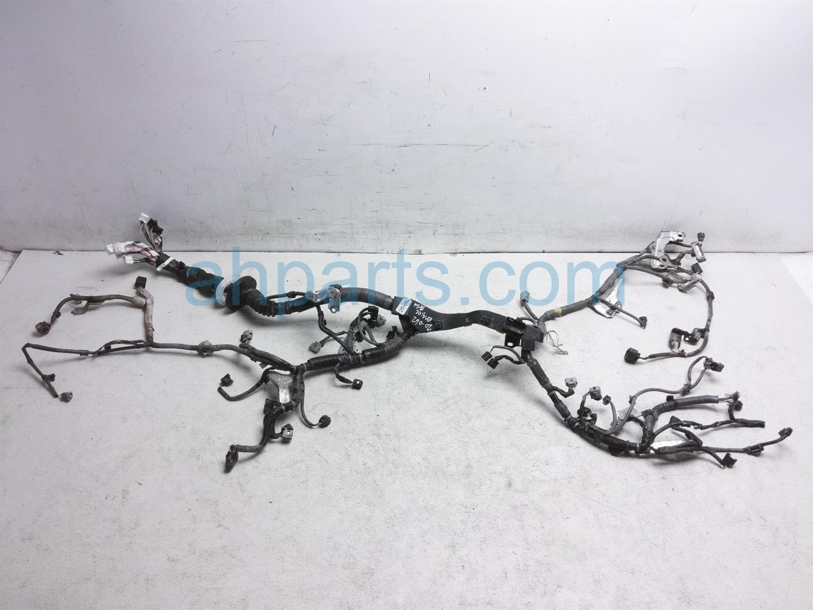 2017 Toyota Tacoma Engine Wire Harness 82121 04851 Replacement