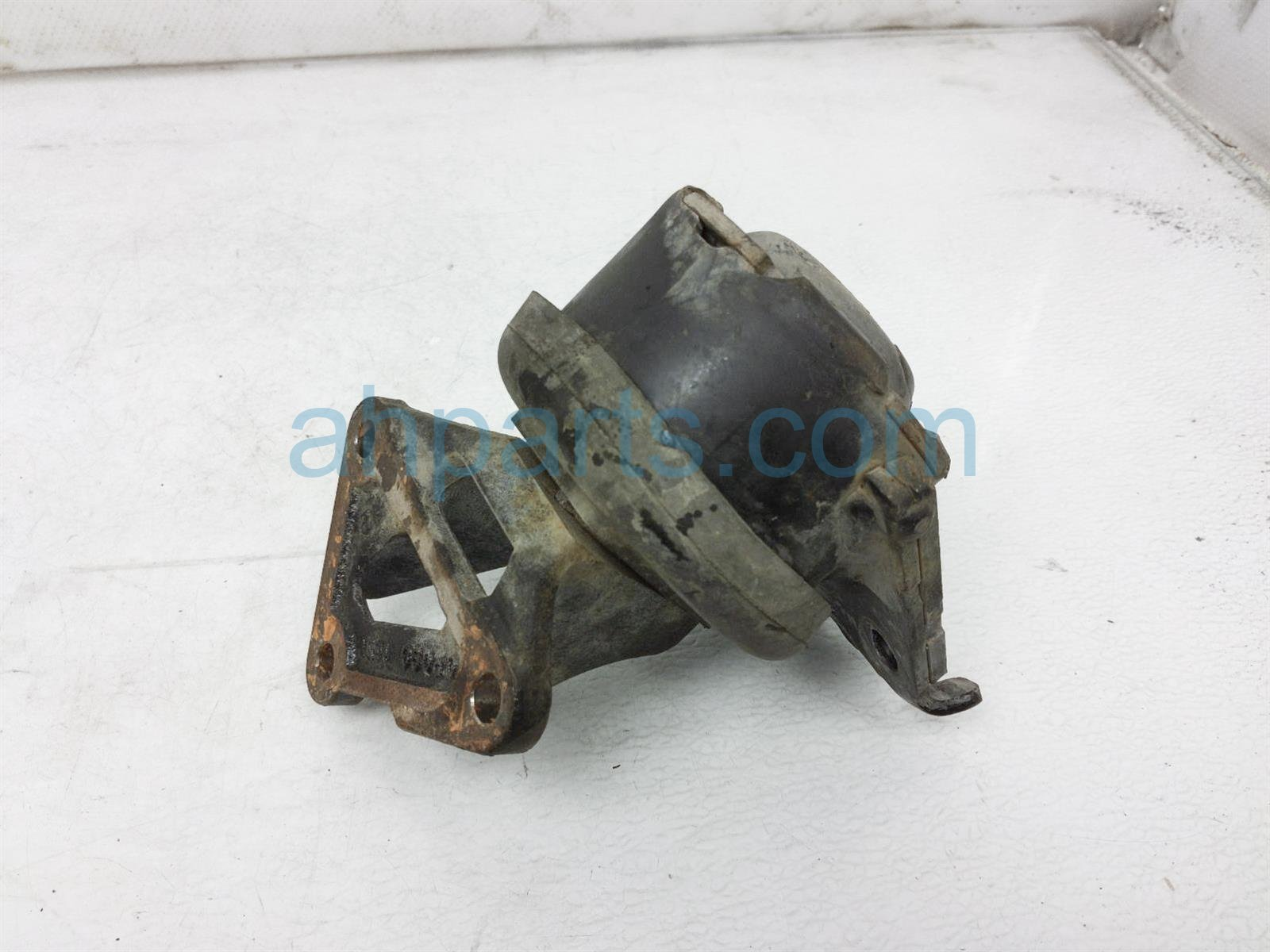 2017 Toyota Tacoma Engine/motor Front Driver Engine Mount 12362 0P080 Replacement
