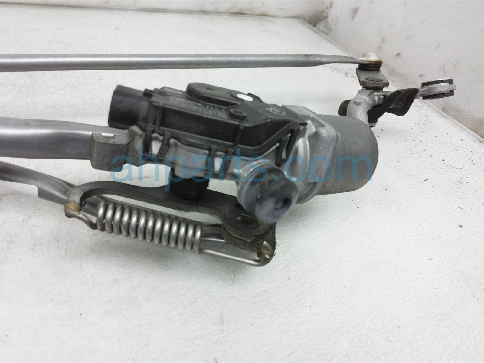 2014 Toyota Highlander Front Arms Windshield Wiper Motor Assy 85150 0E050 Replacement