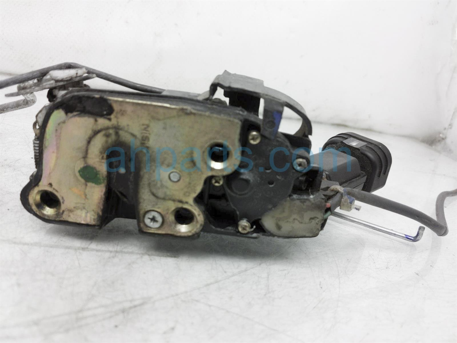2001 Toyota Camry Outside/exterior Front Passenger Door Handle   White 69210 AA010 A0 Replacement