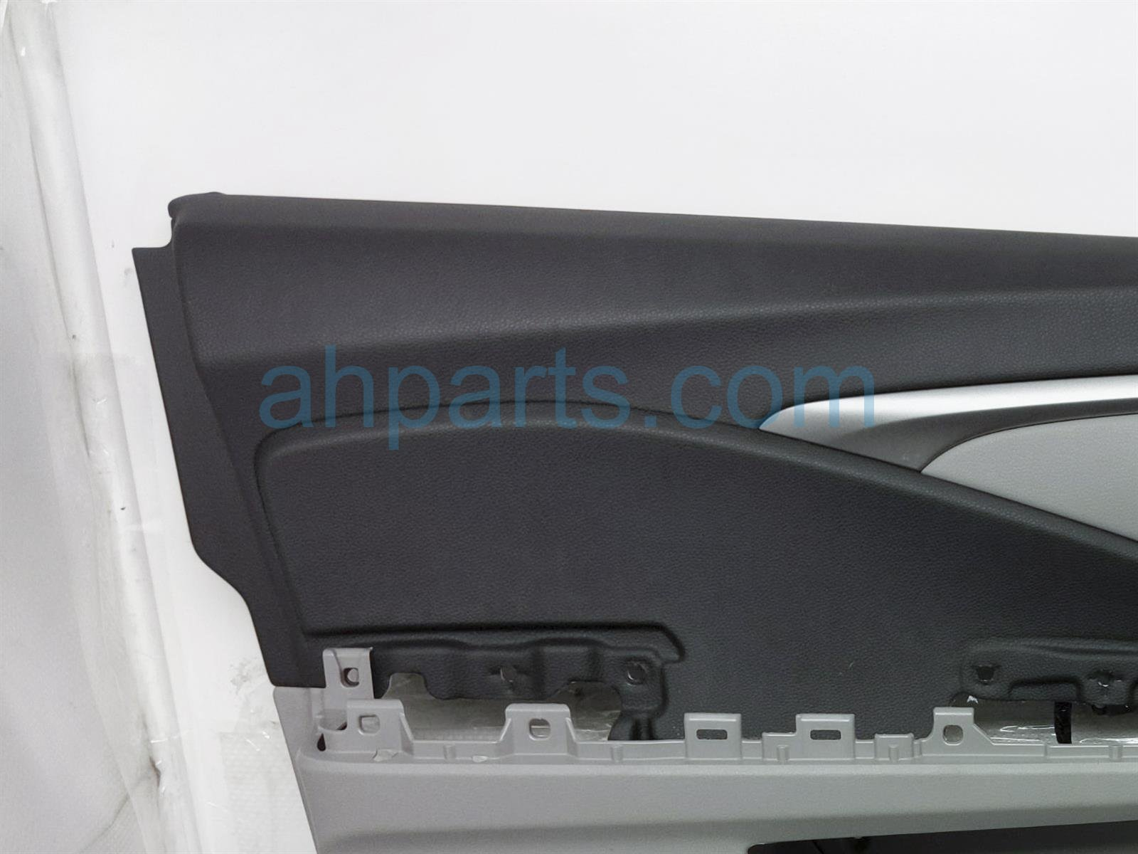 2017 Honda Pilot Trim Liner Front Driver Interior Door Panel   Grey/blk 83551 TG7 A01 Replacement