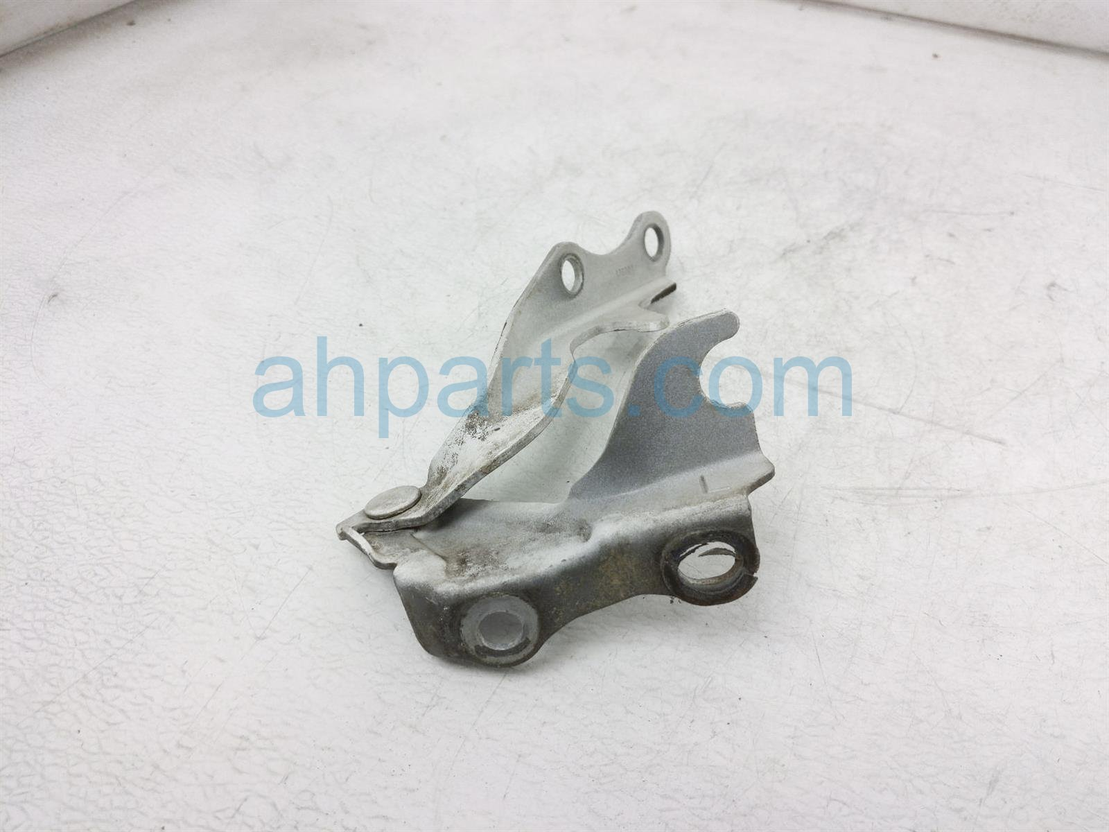 2001 Toyota Camry Driver Hood Hinge   White 53420 AA011 Replacement
