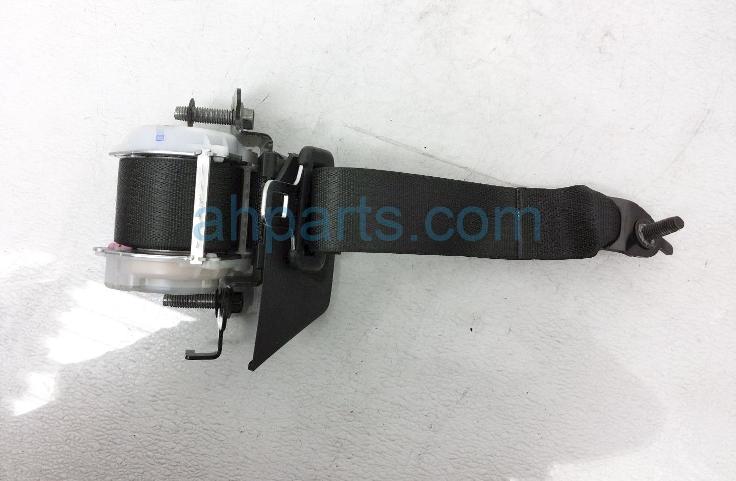 2017 Ford Mustang Rear Driver Seat Belt   Black FR3Z 63611B69 AB Replacement