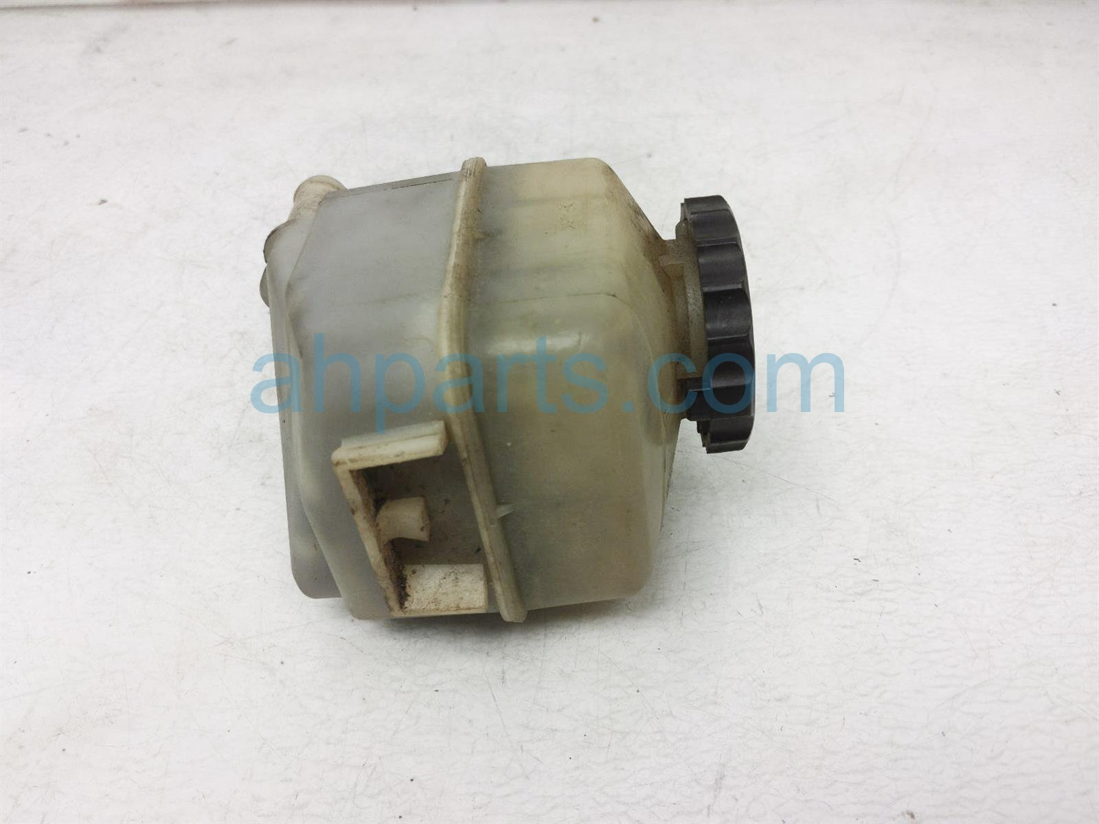 Sold 2001 Toyota Camry Reserve Bottle / Power Steering Reservoir Tank 44360 06010 Replacement