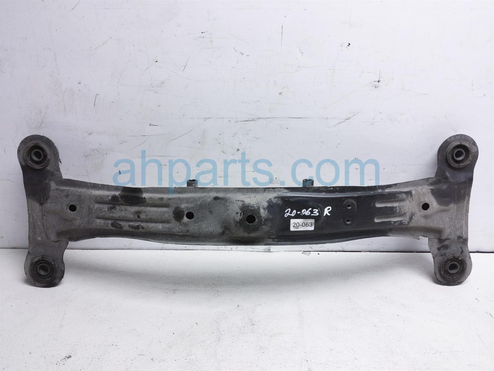 2001 Toyota Camry Crossmember Rear Sub Frame Cross Beam 51206 33040 Replacement