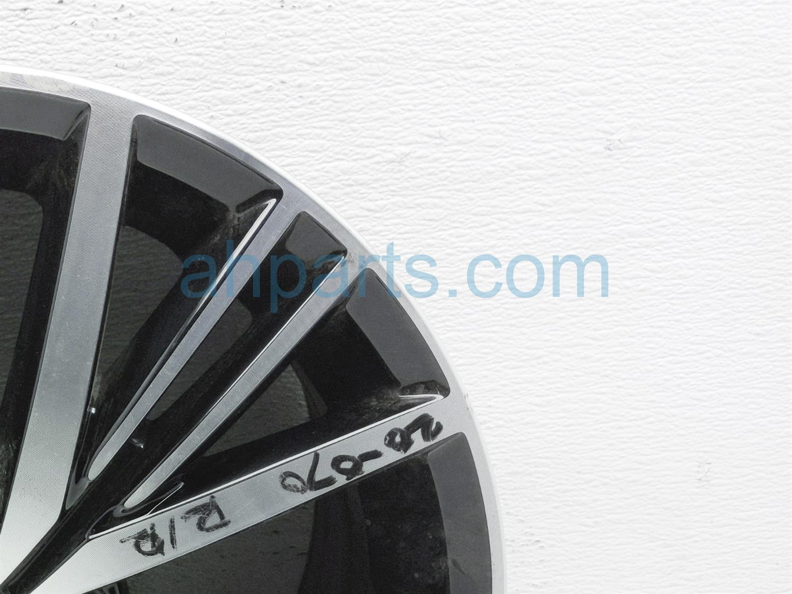 2018 Volkswagen Jetta Rear Passenger Wheel/rim   Curb Rash 5C0 601 025 BP FZZ Replacement
