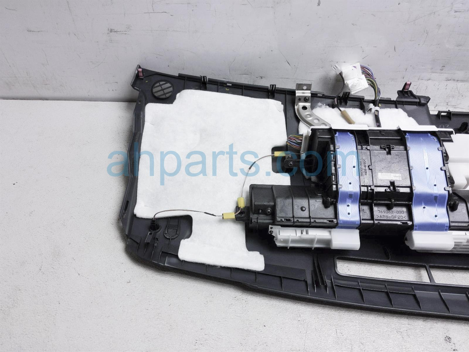 2009 Toyota Prius Dashboard W/ Airbag   Black 55300 47030 C0 Replacement
