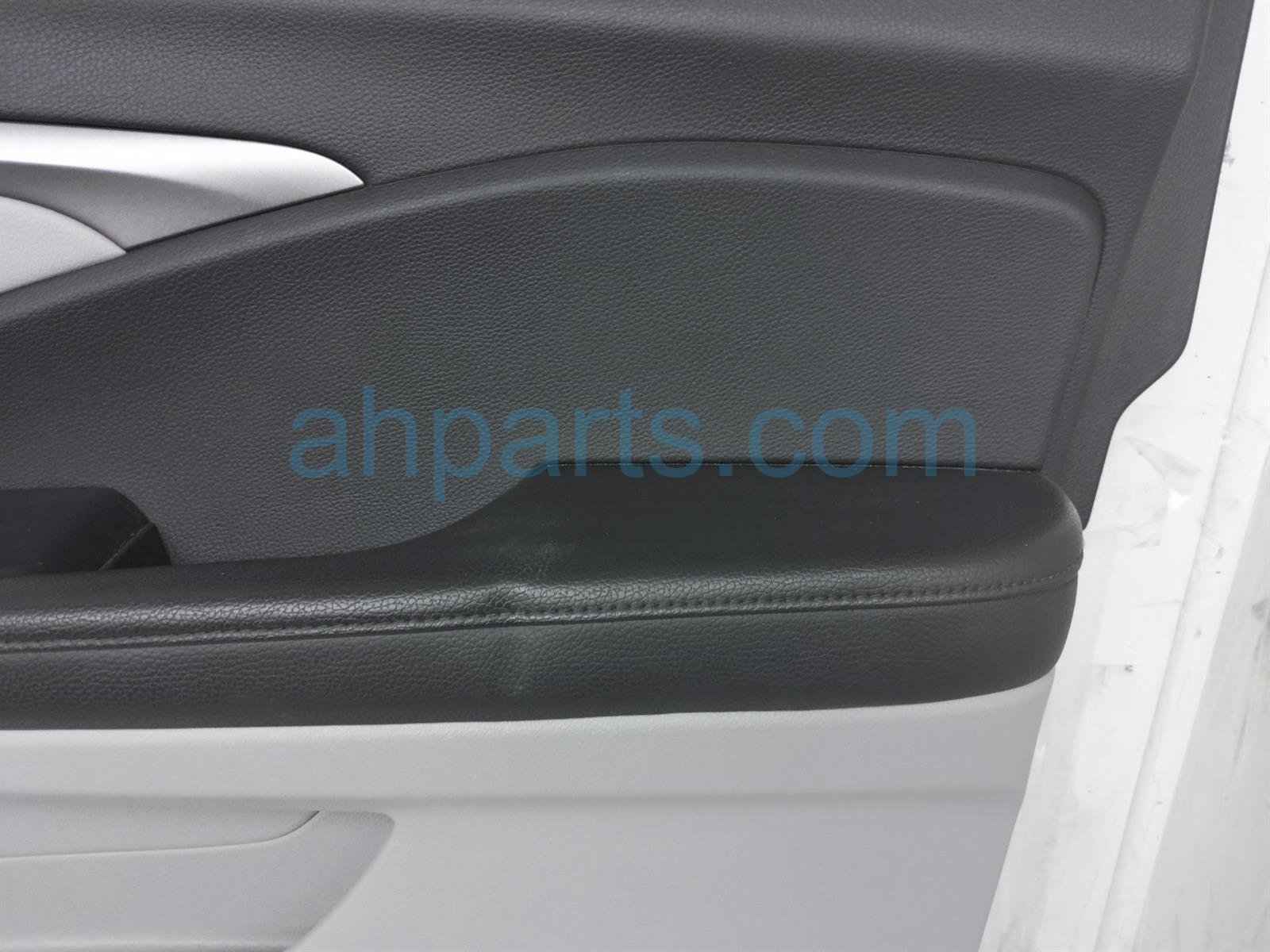 2019 Honda Pilot Trim / Liner Front Passenger Interior Door Panel   Grey 83501 TG7 A02ZC Replacement