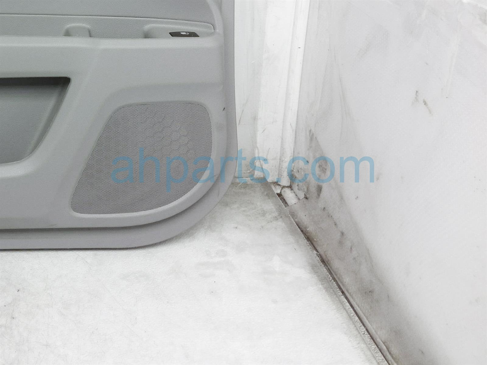 2019 Honda Pilot Trim / Liner Front Driver Interior Door Panel   Grey 83551 TG7 A02ZC Replacement
