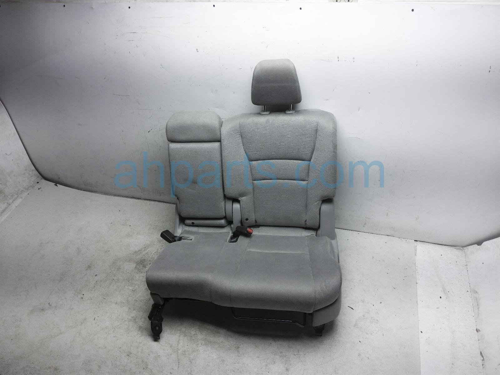 2019 Honda Pilot Rear / Back (2nd Row) 2nd Row Driver Seat   Grey Cloth 81731 TG7 A21ZC Replacement