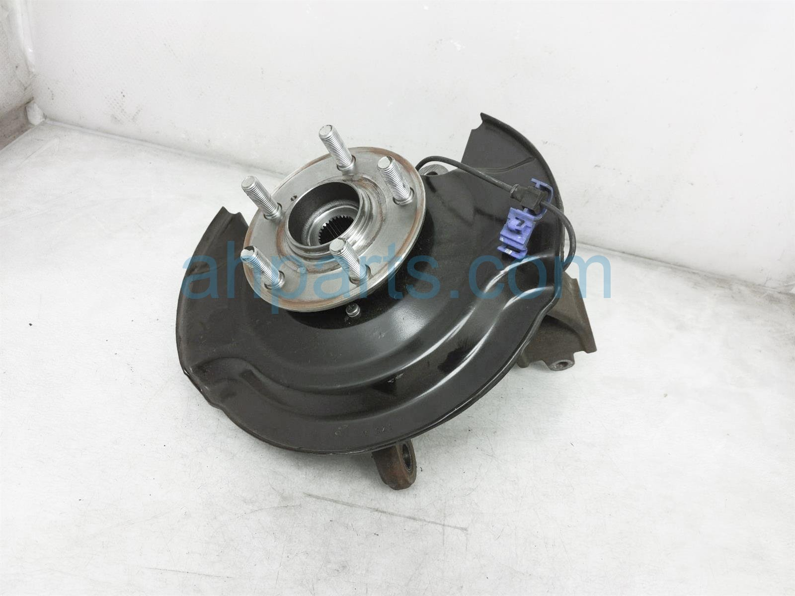 2019 Honda Pilot Front Driver Spindle Knuckle Hub 51216 TZ5 A00 Replacement