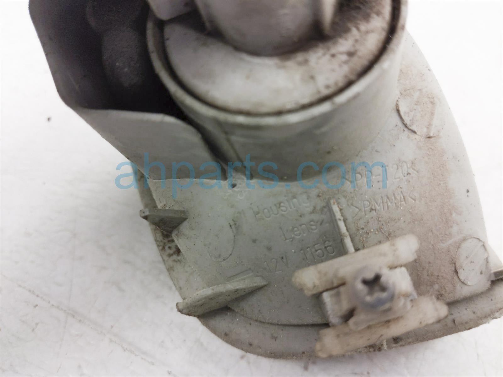 2000 Toyota Tacoma Driver Corner Lamp / Turn Signal Light 81520 04010 Replacement