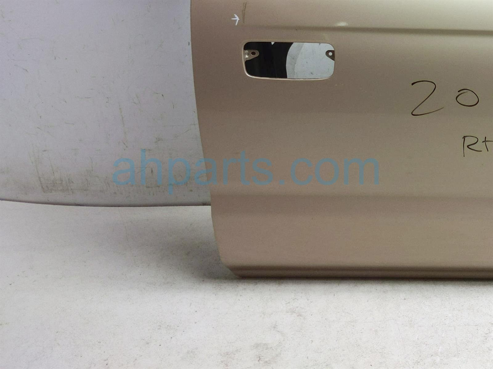 2000 Toyota Tacoma Front Passenger Door   Gold   Shell Only 67001 04130 Replacement