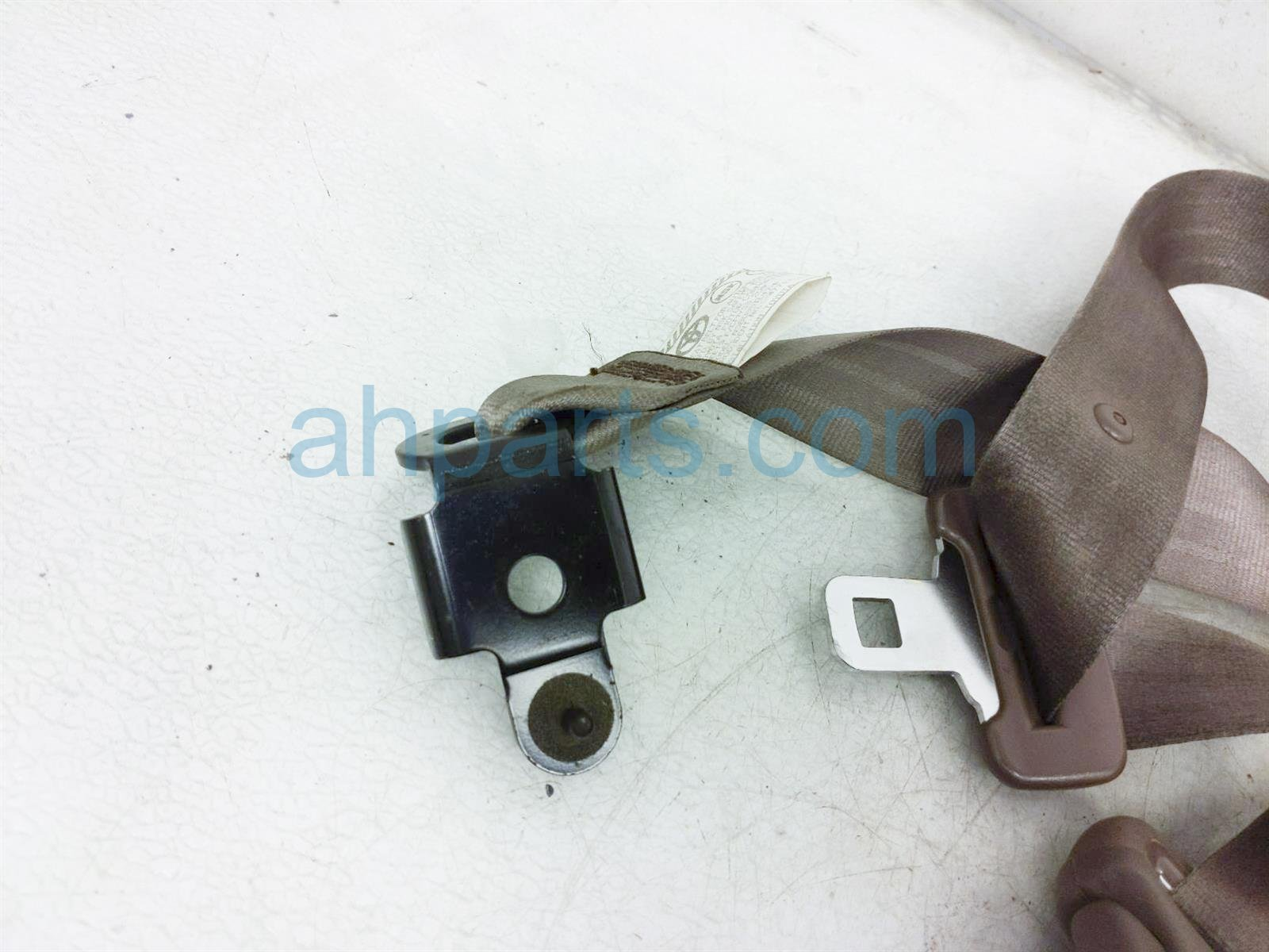 2000 Toyota Tacoma Front Driver Seat Belt   Tan   Standard Cab 73220 04080 E0 Replacement