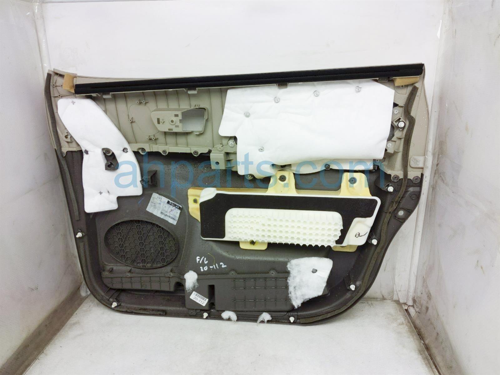 2013 Toyota Sienna Trim Liner Front Driver Interior Door Panel   Tan/grey 67620 08103 Replacement