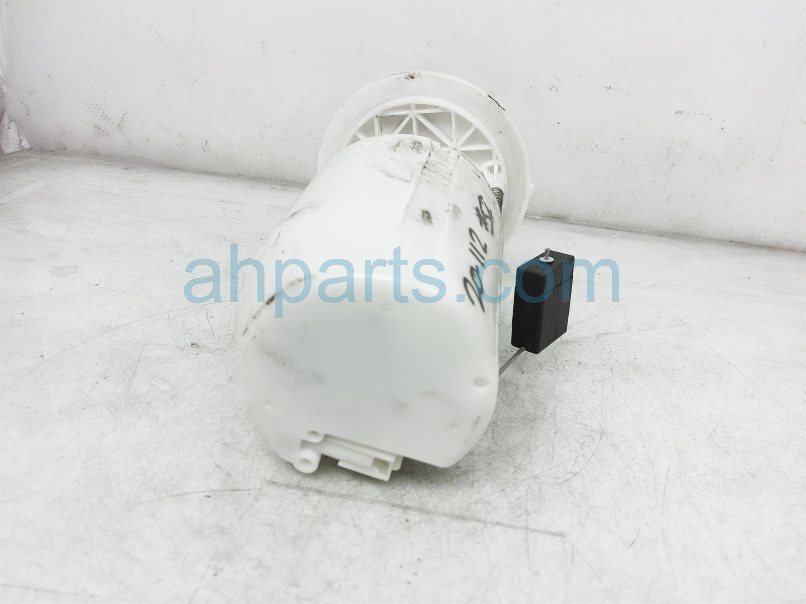 2013 Toyota Sienna Fuel Pump 77020 08050 Replacement