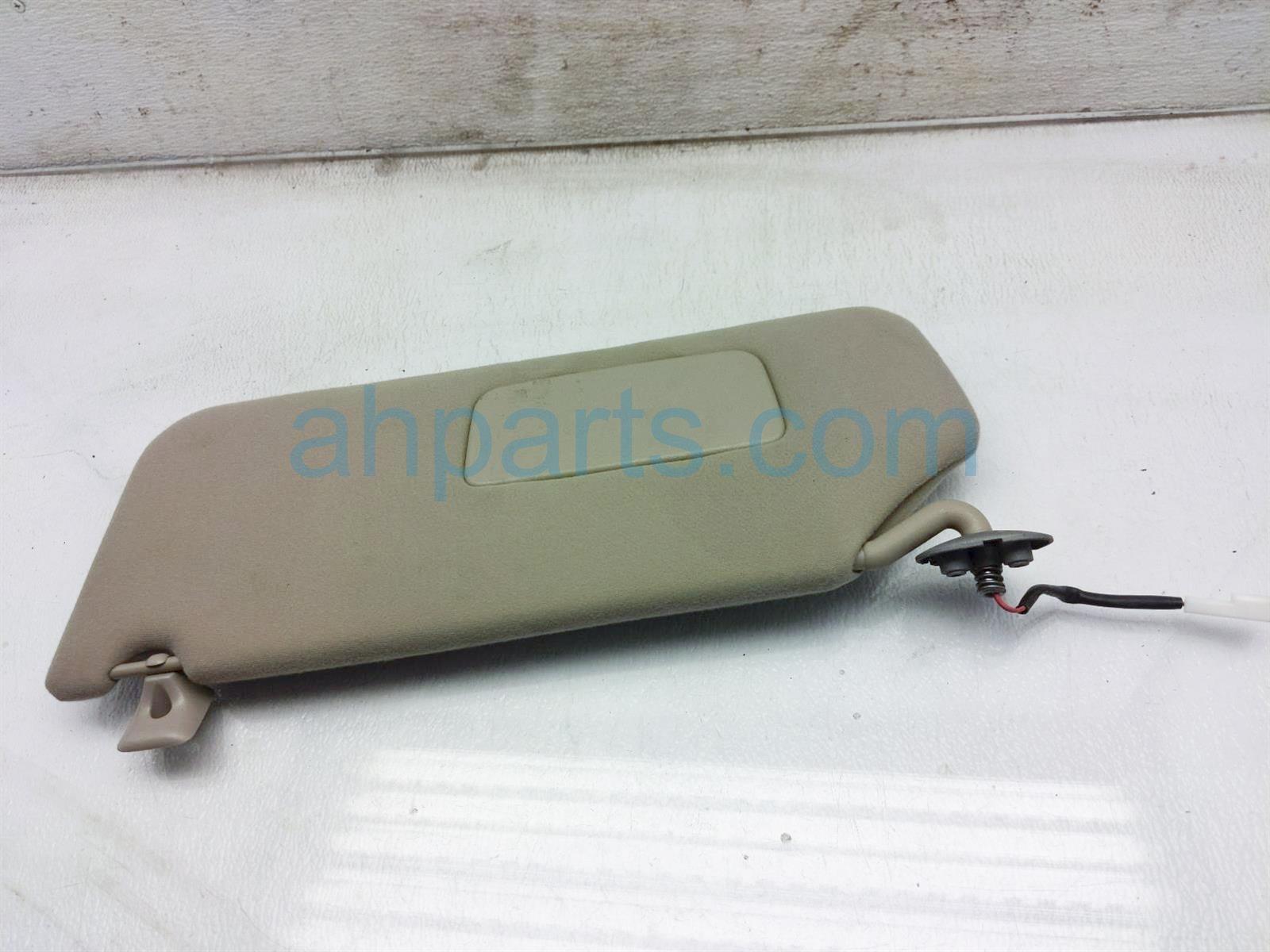 2013 Toyota Sienna Driver Sun Visor   Tan 74320 08030 Replacement
