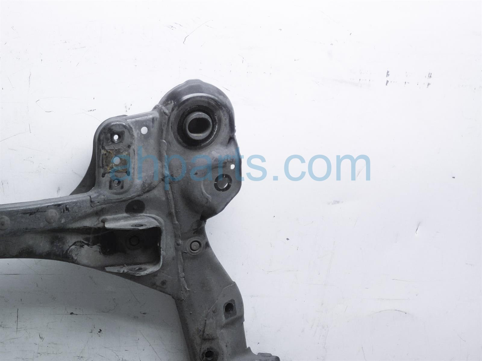 2013 Toyota Sienna Crossmember Front Sub Frame / Cradle 51100 08041 Replacement