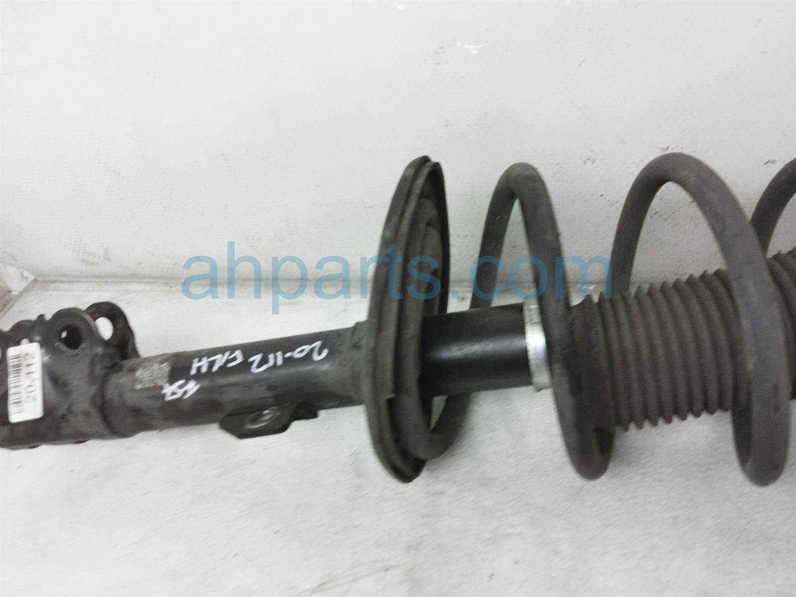 2013 Toyota Sienna Front Driver Strut + Spring 48520 09S70 Replacement