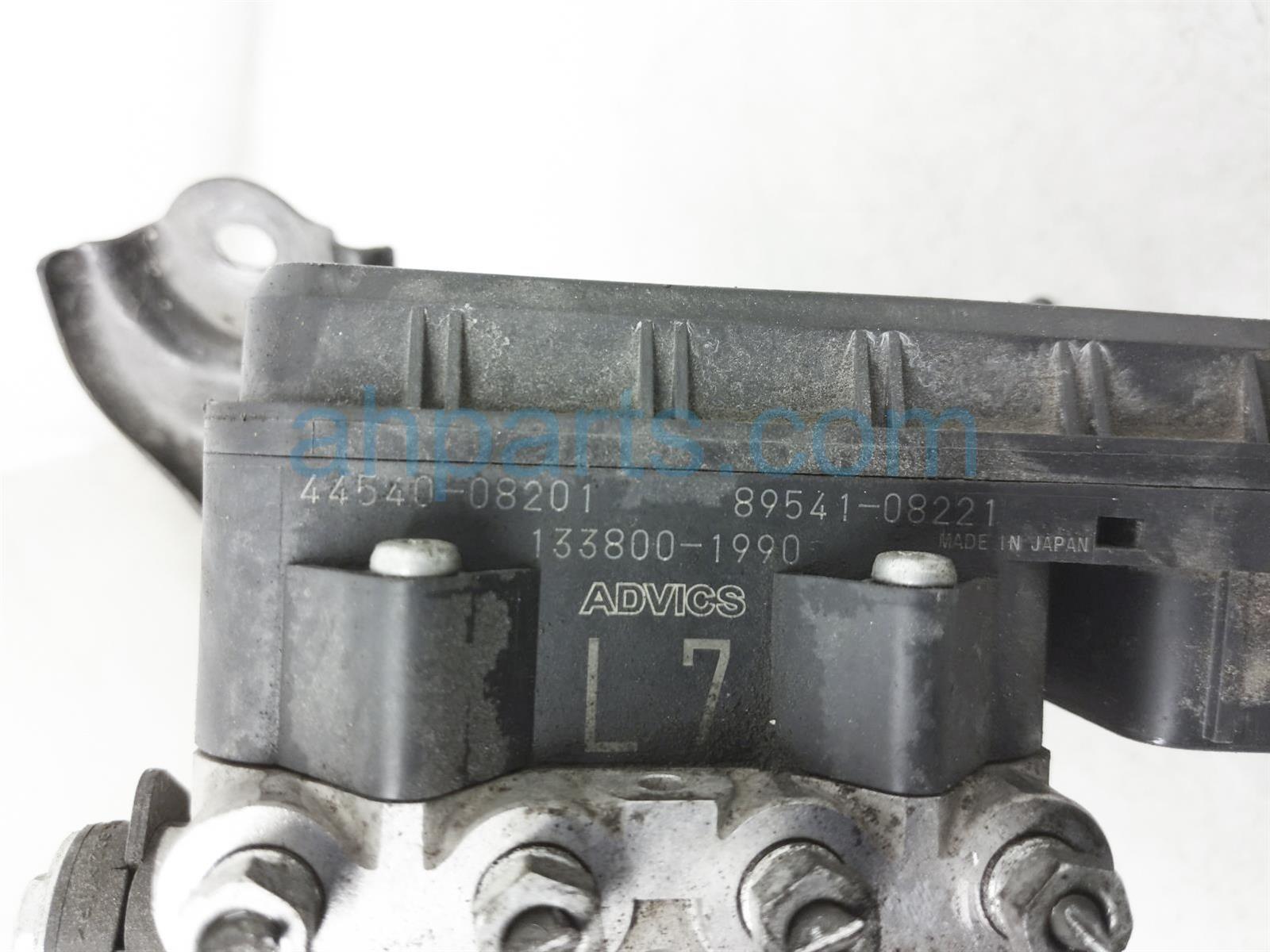 2013 Toyota Sienna (anti Lock Brake) Abs/vsa Pump/modulator 44050 08221 Replacement