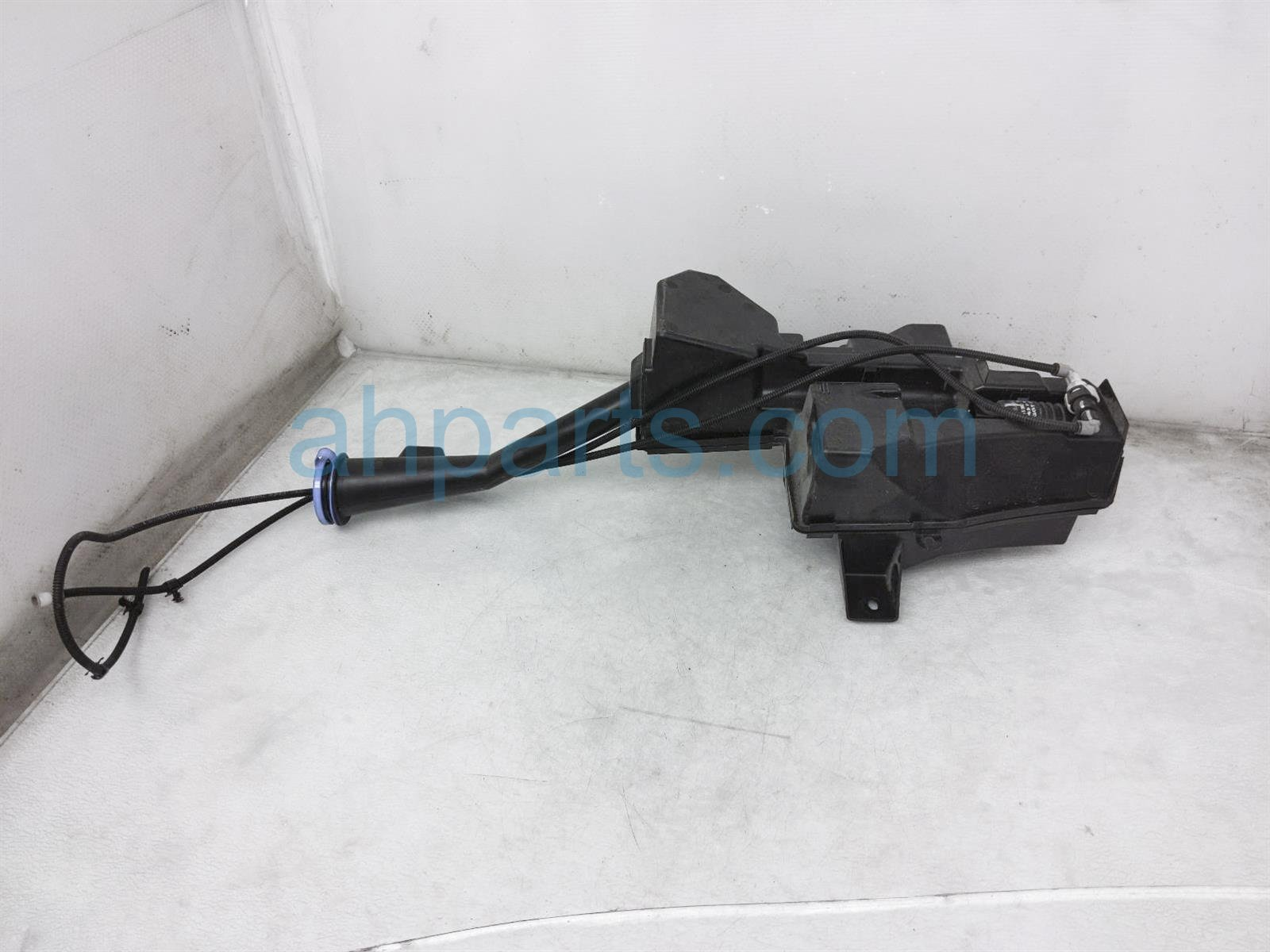 Sold 2019 Honda Pilot Windshield Washer Reservoir 76841 TG7 A02 Replacement