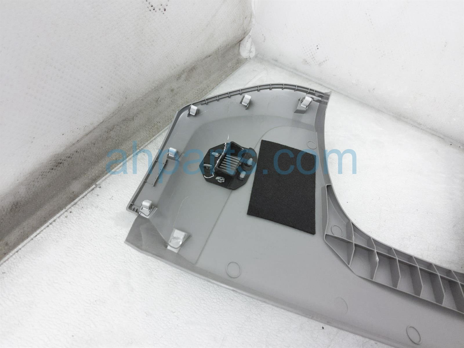 2019 Honda Pilot Shaft Steering Column Lower Cover   Gray 77300 TG7 A01ZJ Replacement