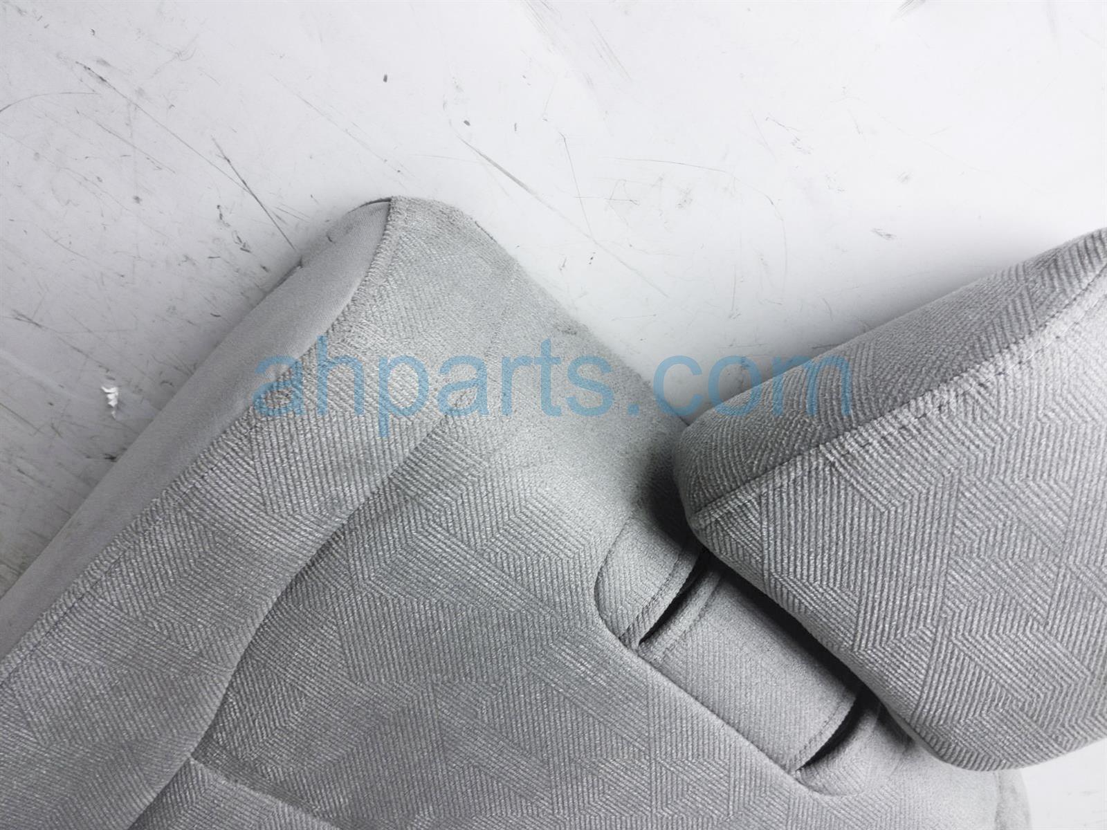 2019 Honda Pilot Rear / Back (3rd Row) 3rd Row Passenger Seat Upper Portion   Gray 82121 TG7 L01ZC Replacement