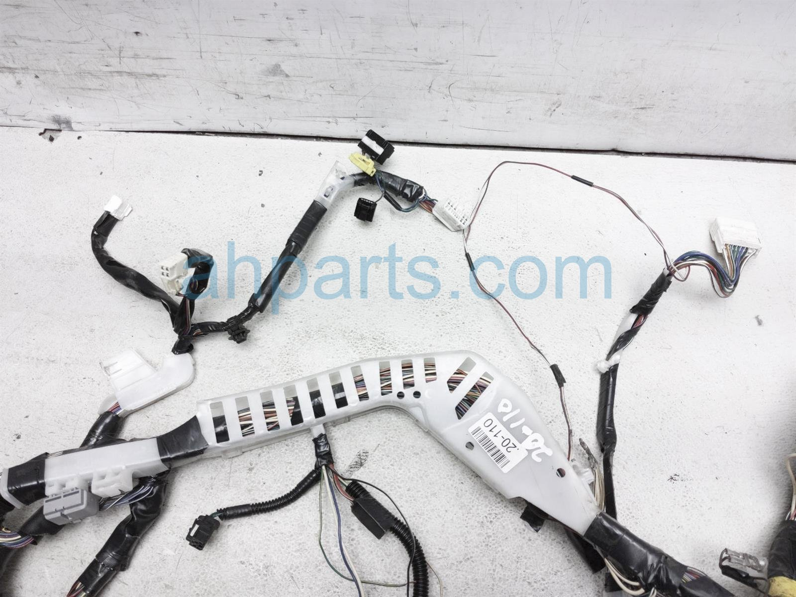 2000 Toyota Tacoma Dashboard Wire Harness 82135 04482 Replacement