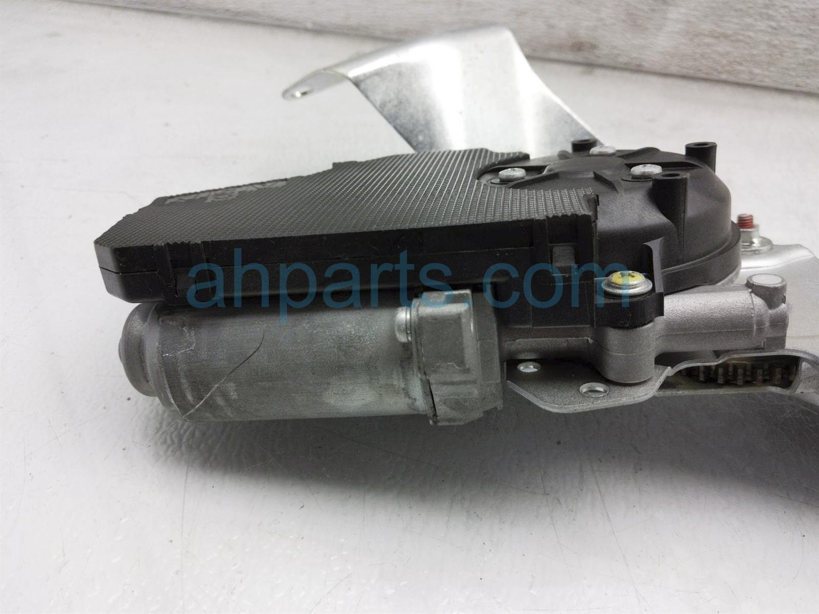2013 Toyota Sienna Deck / Trunk Lid Power Tail Gate Motor 68910 08023 Replacement