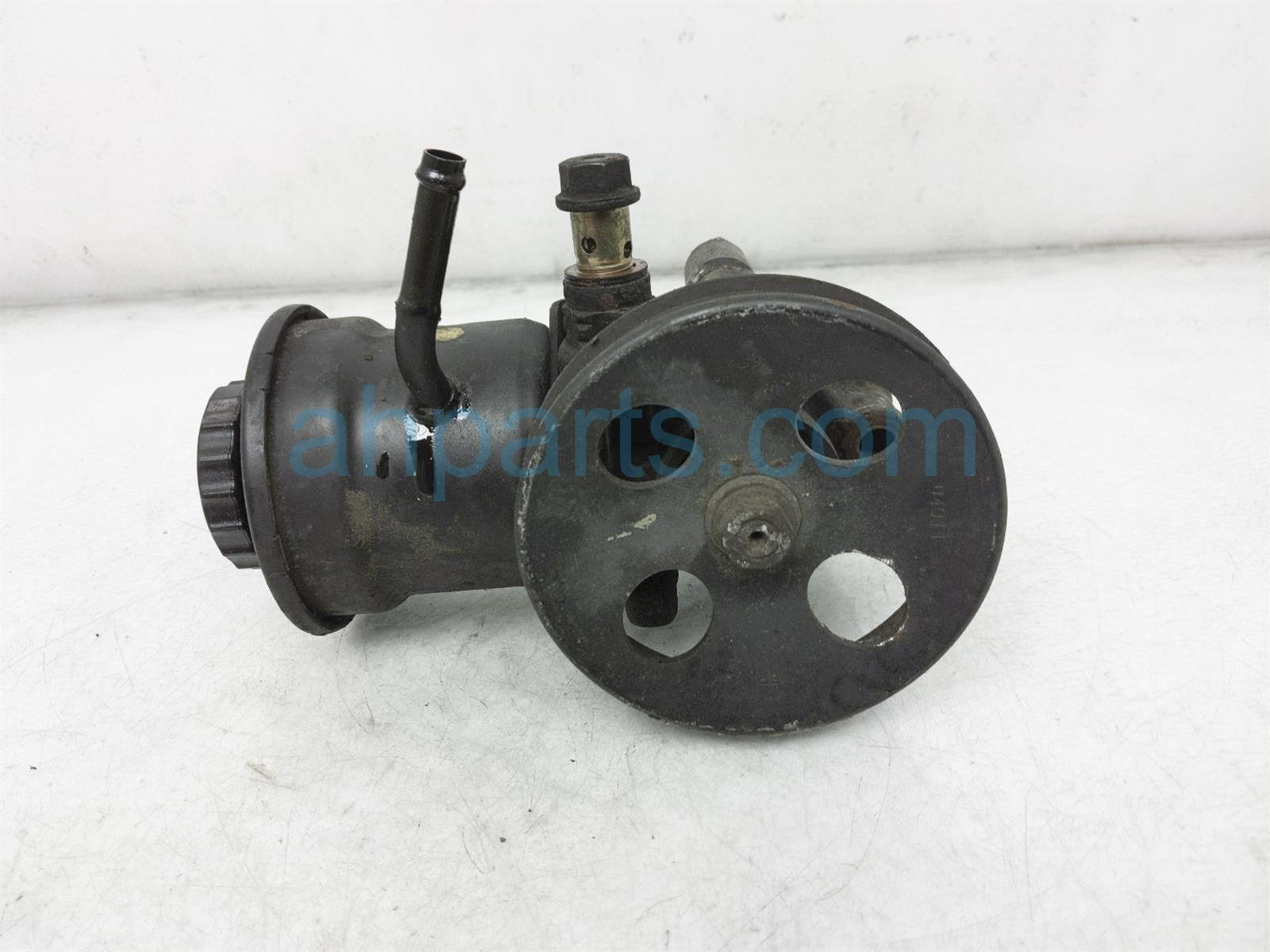 2000 Toyota Tacoma Power Steering Pump 44320 04020 Replacement